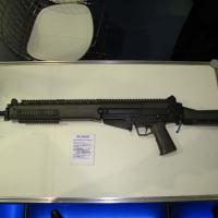 Fuzil IMBEL IA2 calibre 7,62x51mm na versão longa.