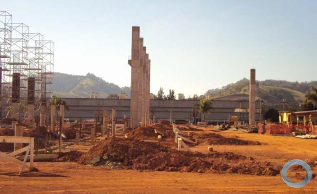 Construção do novo hangar na Helibras entra na fase de fundação aparente e modernização de áreas comuns