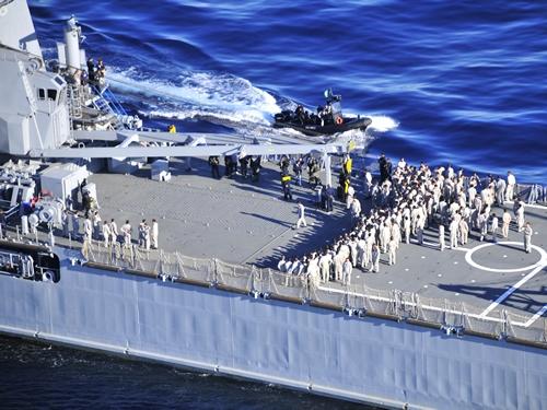 Defesanet naval esquadra realiza exerc cio de for Arquitectura naval e ingenieria maritima