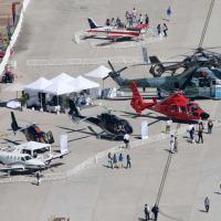 Vista aérea da exposição estática da Eurocopter na FIDAE 2012. Na posição de destaque o EC725 da FAB. Foto © Copyright Sandra Soto