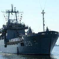 Navio de Desembarque de Carros de Combate 'Almirante Saboia' suspende da Base Naval do Rio de Janeiro para Porto Príncipe - Foto: MB