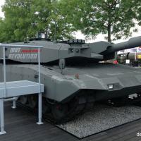Leopard 2 com nova blindagem desenvolvida pela Rheinmetall  Foto - DefesaNet