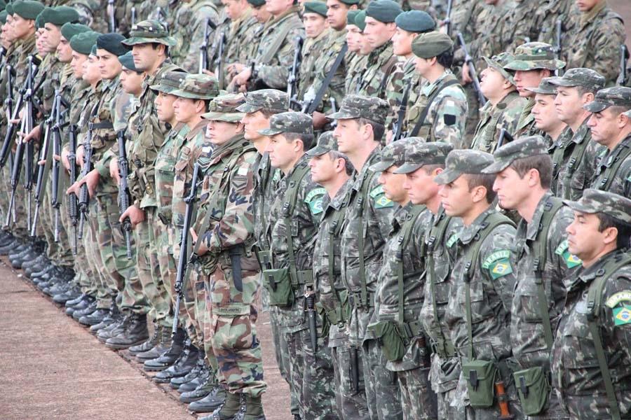 Resultado de imagem para tropas do eb