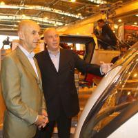 O CEO da EADS Louis Galois e o Presidente da helibras, Eduardo Marson, visitam a linha de produção da empresa em itajubá - MG.  Foto - Helibras