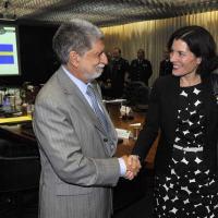 A cooperação entre Brasil e Suécia, na área da Defesa, foi o ponto máximo da reunião que contou com a participação do ministro da Defesa do Brasil, Celso Amorim, e da Suécia, Karin Enström. - Foto: Felipe Barra / ASCOM -MD