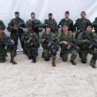 Foto: enviada pelo leitor Felipe Gonzales - Um grupo de Comandos Anfíbios da Marinha do Brasil, que estavam realizando a segurança do Papa Francisco, durante a JMJ,