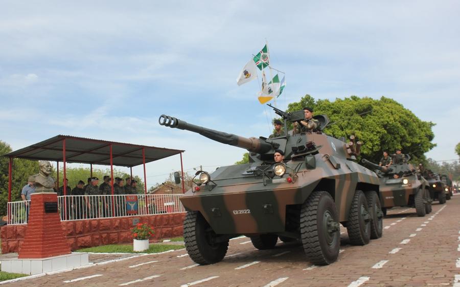 ae7bd9437796d Desfile motorizado de todas viaturas do Regimento Foto - Ten Chiarello   3ª  DE