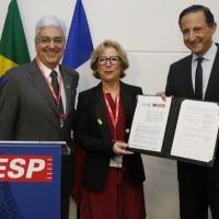 Da esquerda para a direita: o diretor regional do Senai-SP, Walter Vicioni Gonçalves; a ministra do Ensino Superior e da Pesquisa da França, Geneviève Fioraso; e o presidente da Fiesp e do Senai-SP, Paulo Skaf.