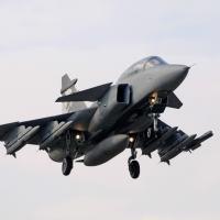 Como caça multimissão de última geração, o Gripen NG incorpora o alcance operacional, a capacidade de carga útil e o recurso de guerra centrada em rede (NCW) para desempenhar todas as missões designadas pela Força Aérea Brasileira, tanto em operações militares nacionais como regionais.  Foto - SAAB