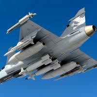 Artigo de Vianney Riller Jr,  piloto de teste e analista da Agência DefesaNet.  Foto - SAAB