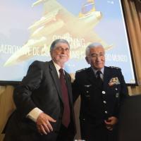 Video da entrevista coletiva realizada na tarde de quarta-feira (18DEZ13), com o Ministro da Defesa Celso Amorim e o Brigadeiro Juniti Saito. Foto - Joel Rodrigues / DefesaNet