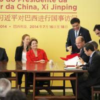 Os presidente Dilma Rousseff e Xi Jinping na assinatura dos contratos no Palácio do Planalto, 17 JUL 14. Foto Planalto
