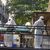 Homem com suspeita de Ebola chega ao Instituto Nacional de Infectologia Evandro Chagas, no Rio de Janeiro. 10/10/2014 - REUTERS/Mauro dos Santos
