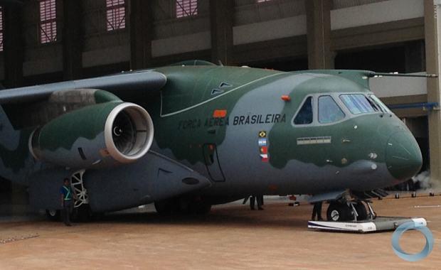 [Brasil] KC-390 Roll Out! 23019_resize_620_380_true_false_null