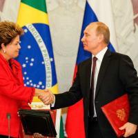 Reeleição sinaliza continuidade de projetos conjuntos e avanço do Brics. Segundo especialista, resultado constitui vantagem para as relações russo-brasileiras, mas também alertam para a necessidade de mudanças nas políticas de Brasília.