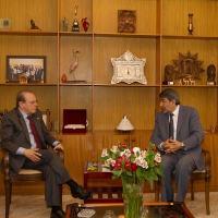 Governador Tarso Genro entregou na terça-feira, 02DEZ14, carta ao embaixador da Palestina Ibraim Alzeben; na foto, reunião dos dois em Brasília em agosto. Foto: Caroline Bicocchi/Palácio Piratini