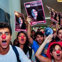 A blogueira cubana Yoani Sanchéz foi recebida de forma agressiva em São Paulo pelos grupos  que apoiam o PT e compartilham do governo.