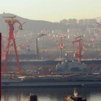 Liaoning, não se trata de um porta-aviões realmente apto à mobilização militar, mas antes 'um projeto de exercício, treinamento e desenvolvimento tecnológico'.