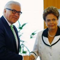 O ministro alemão do Exterior, Frank-Walter Steinmeier, e a presidente Dilma Rousseff.