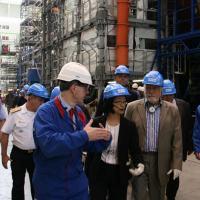 Ministro Jaques Wagner em visita às instalações da DCNS de Cherbourg. Foto DCNS