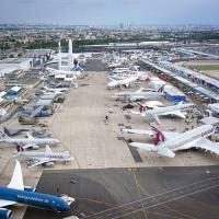 Aviões parados no aeroporto de Le Bourget durante a Paris Air Show, a feira de aviação realizada semana passada na capital francesa. European Pressphoto Agency