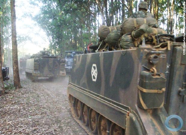Deslocamento de tropa de infantaria blindada