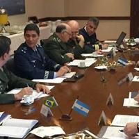 Visita teve o objetivo de discutir agenda distribuída em níveis decisórios na estrutura organizacional de defesa das duas nações - Foto: MD