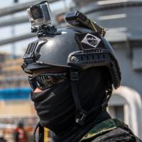 GRUMEC com capacete Ops Core equipado com IR Beacon MS2000 e câmera GoPro Foto - DefesaNet