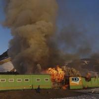 Flagrante do incêndio, Estação Comandante Ferraz,  em 25 de fevereiro de 2012.
