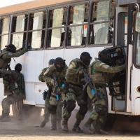 Oficina de retomada de ônibus sequestrado  - Foto: Agência Força Aérea/ Cabo Feitosa