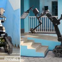 Robôs que estão no 2º BE Cmb, em Pinda. Á esquerda, o Telemax subindo escada e à direita, o tEODor com acessório para raio-x. (Foto: PortalR3)