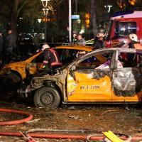 Resgate de vítimas e corpos em veículos destruídos em Ancara, na Turquia. Foto: Erol Ucem/AFP