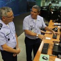 Tenente-Brigadeiro Rossato visita CGNA e Sala Master - Foto: FAB