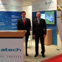 Giacomo Staniscia, direita, é Diretor de Negócios da ATECH
