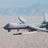 Drone americano MQ-9 Reaper disparando um missil  Hellfire