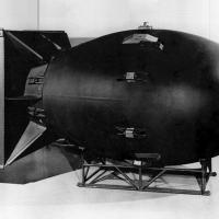 Réplica de Fat Man lançada em Nagasaki, Japão, em 9 de agosto de 1945
