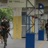 Tropas do Exé´rcito patrulhando estação de ônibus em Vitória ES. Foto - Agência Brasil