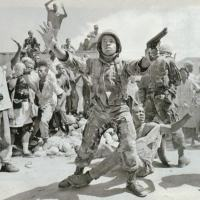 Clássica foto de uma das tantas intervenções dos Fuzileiros Navais americanos no Haiti, em 1994.
