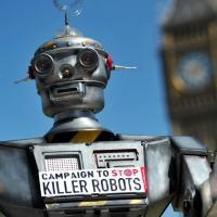 O grupo ativista Campaign to Stop Killer Robots insiste que os humanos devem ser responsáveis pela decisão final de matar