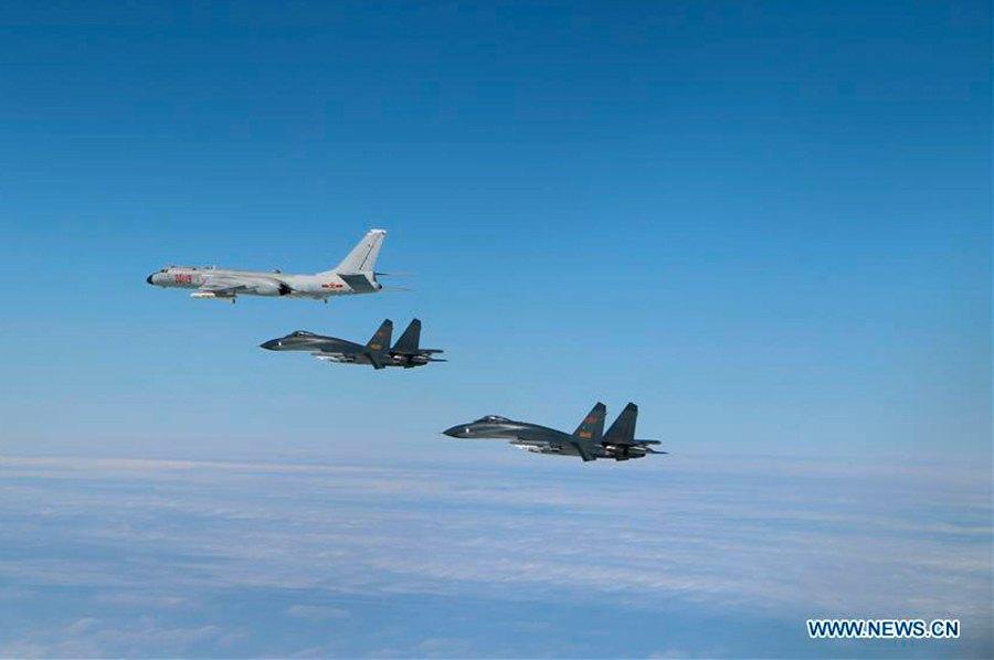 DefesaNet - China Power - CHINA - Air Force planes fly patrols