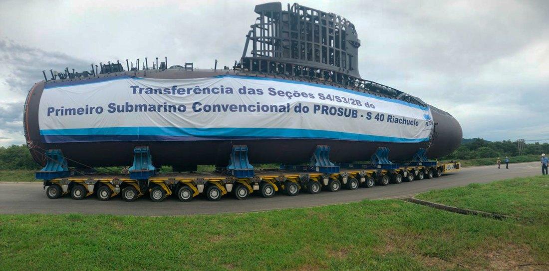 154d2779a As seções transferidas foram as  S3   S4   2B. Fazem parte do primeiro  submarino convencional do PROSUB SBR-S40 Riachuelo.