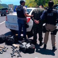 A PRF e Desarme apreendem arsenal de fuzis e pistolas chegando no Rio de Janeiro