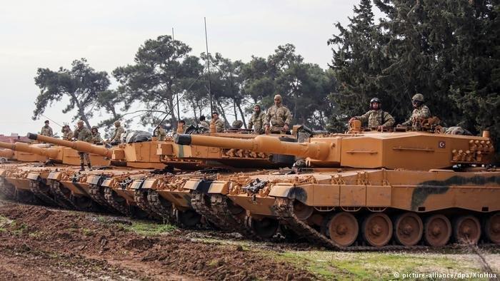 EUA precisam sair imediatamente de região síria de Manbij, diz Turquia