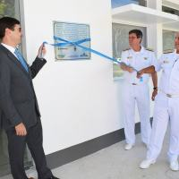 O Diretor do CTMRJ, Contra-Almirante Muradas, o Diretor do IPqM, Contra-Almirante (EN) Ricardo e o Diretor de Desenvolvimento Tecnológico da Embraer, Daniel Moczydlower, durante a inauguração oficial do laboratório
