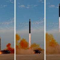 Lançamento do míssil Hwasong-12 em montagem de fotos distribuídas pela North Korea's Korean Central News Agency (KCNA) Foto: KCNA