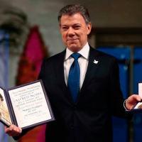 Presidente Juan Manuel Santos recebendo o Nobel da Paz em 2016.