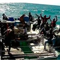 Barco à deriva com 25 imigrantes é resgatado na costa do Maranhão. Grupo estava havia 35 dias no mar. Pescadores do Ceará encontraram o grupo.