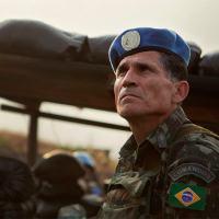 O general-de-Divisão  Santos Cruz durante missão no Congo Foto: Sylvain Liechti/ONU