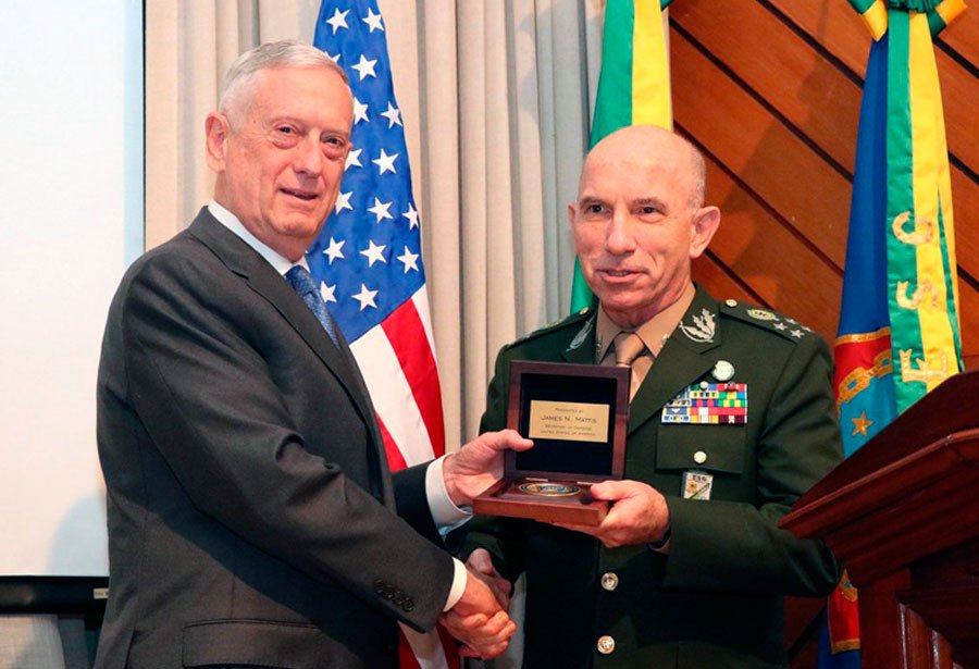 00d7808a4 Secretary of Defense James Mattis and ESG Commander General Schons.