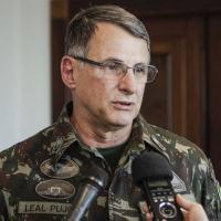 General Pujol afirma que tempo vai limpar diferenças de opinião sobre ditadura